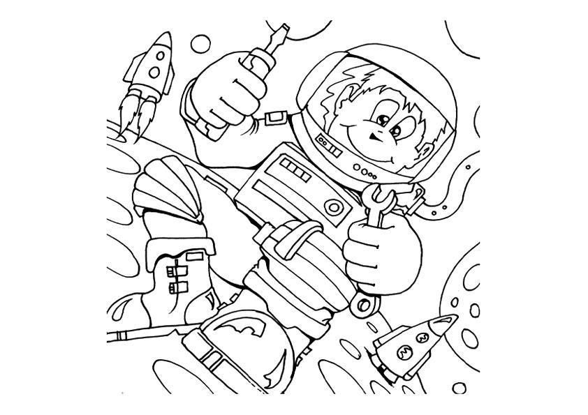 Юный космонавт Распечатать раскраски для мальчиков